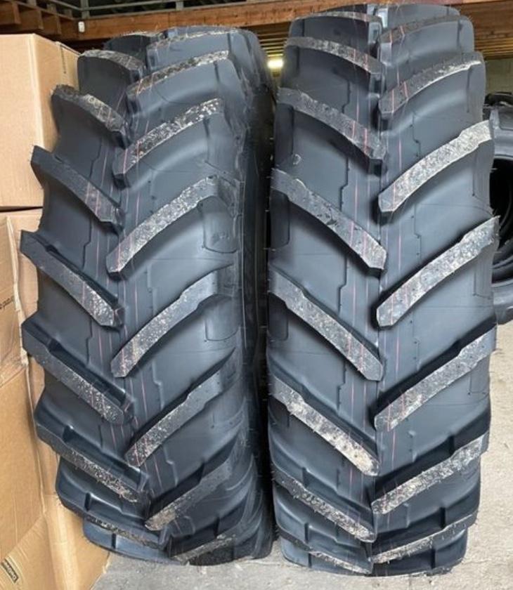Photo bande de roulement pneu de tracteur